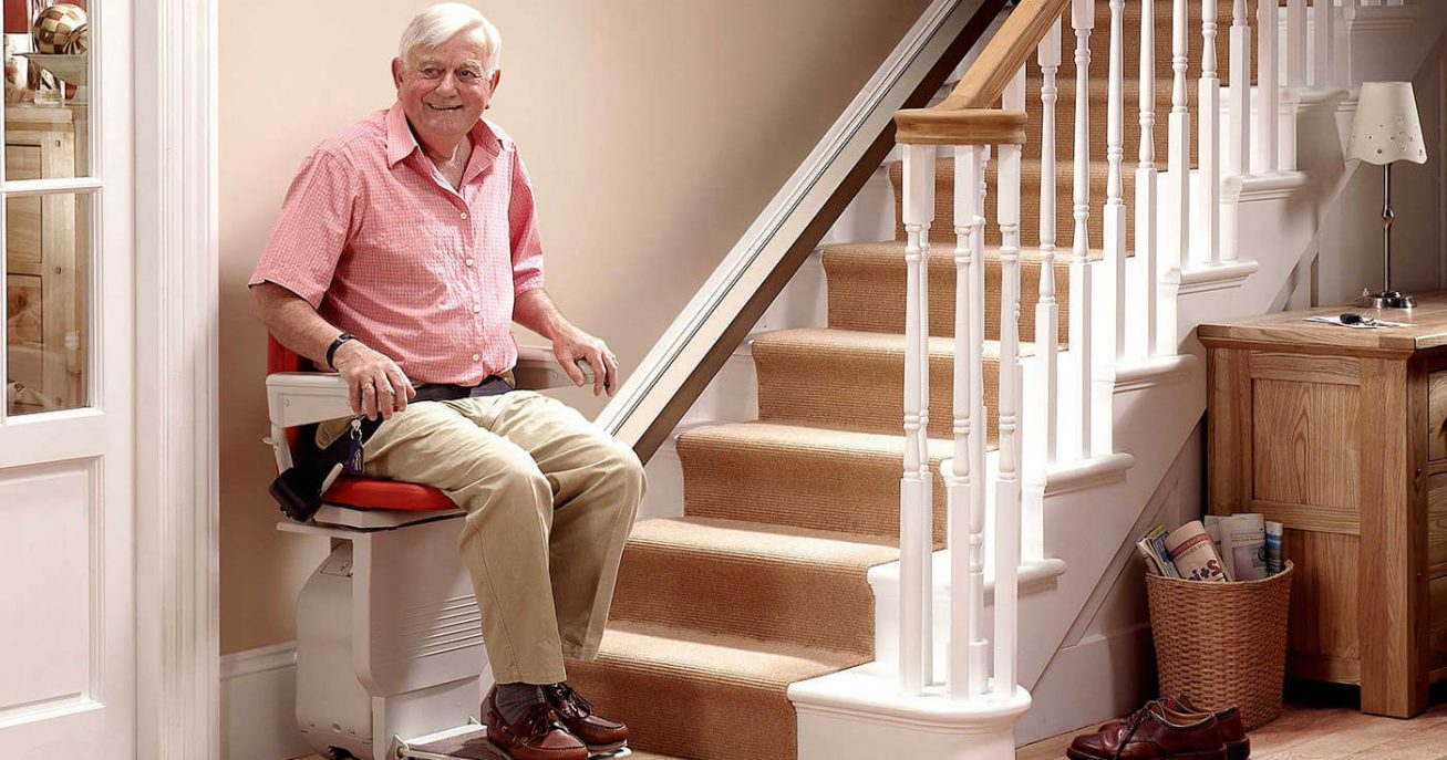 Https://florida.cainsmobility.com/wp Content/uploads/sites/10/2015/12/ Stair Lift In Use In Orlando Home